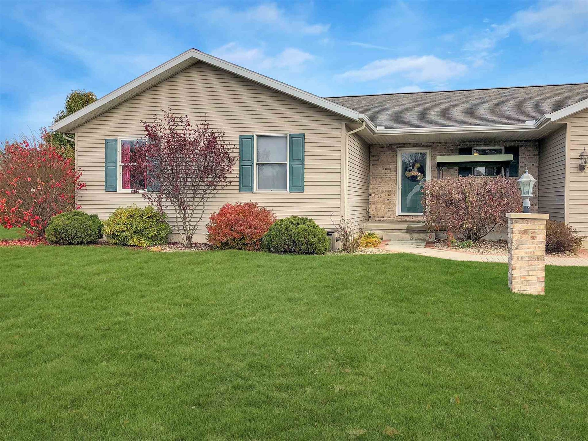 Photo of 306 Alexis Drive, Milford, IN 46542 (MLS # 201950758)