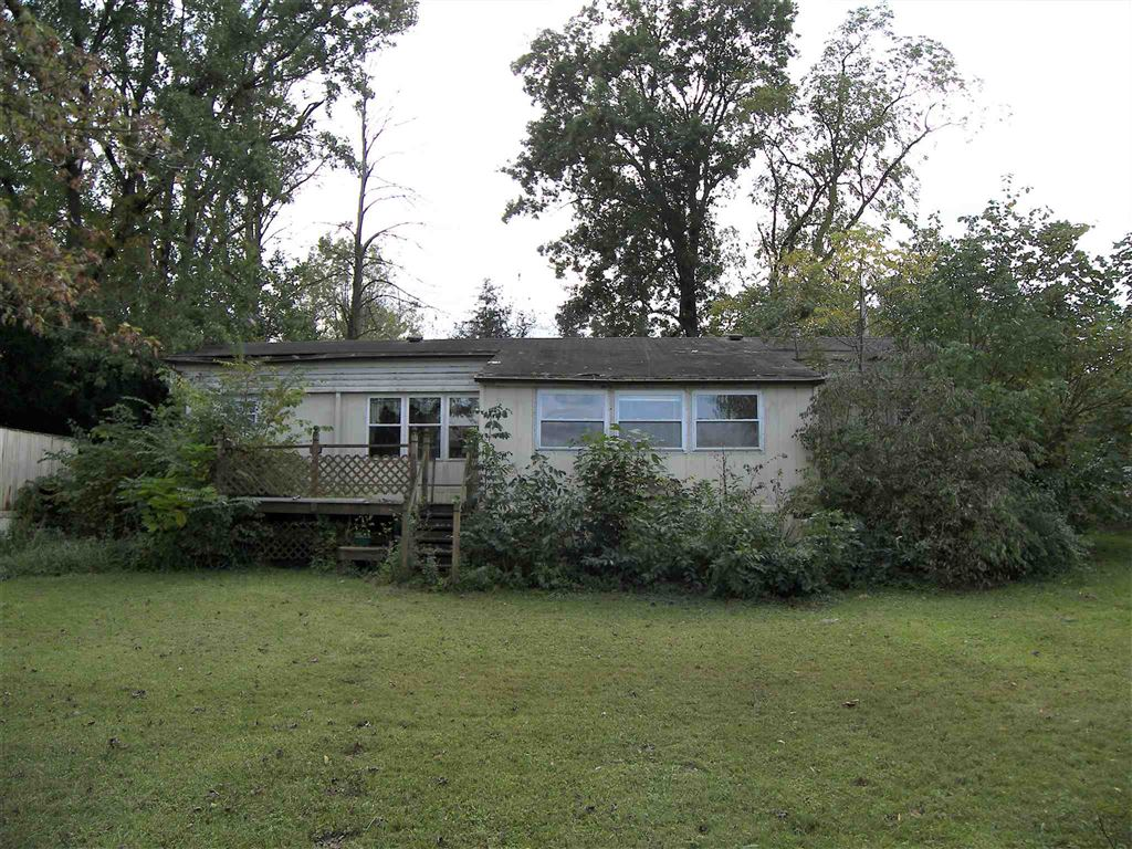 Photo of 4006 W Winchester Drive, Silver Lake, IN 46982 (MLS # 201945761)
