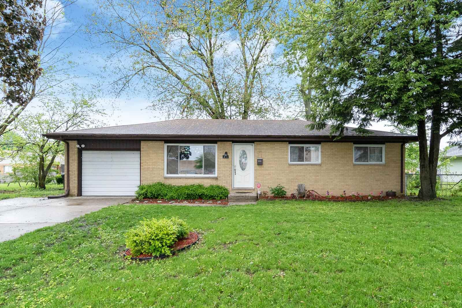 215 S Summit Drive, South Bend, IN 46619 - #: 202019771