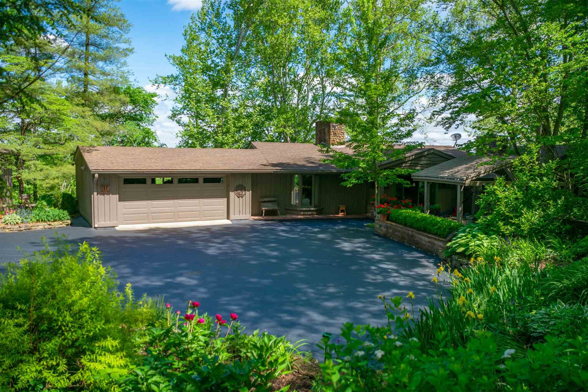 138 Town Hill Road, Nashville, IN 47448 - #: 201921772