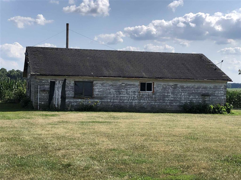 Photo of 4401 State Road 10 Road, Bourbon, IN 46504 (MLS # 201933784)