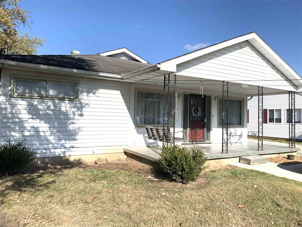 210 Midway Drive, New Castle, IN 47362 - #: 201948785