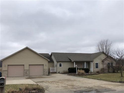 Photo of 1401 Mitchell Drive, Rochester, IN 46975 (MLS # 202010788)