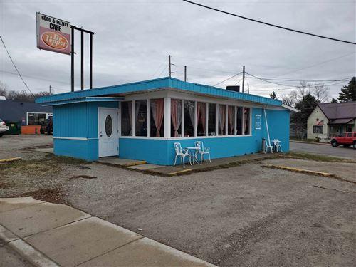 Photo of 1701 Jefferson Street, Logansport, IN 46947 (MLS # 202049788)