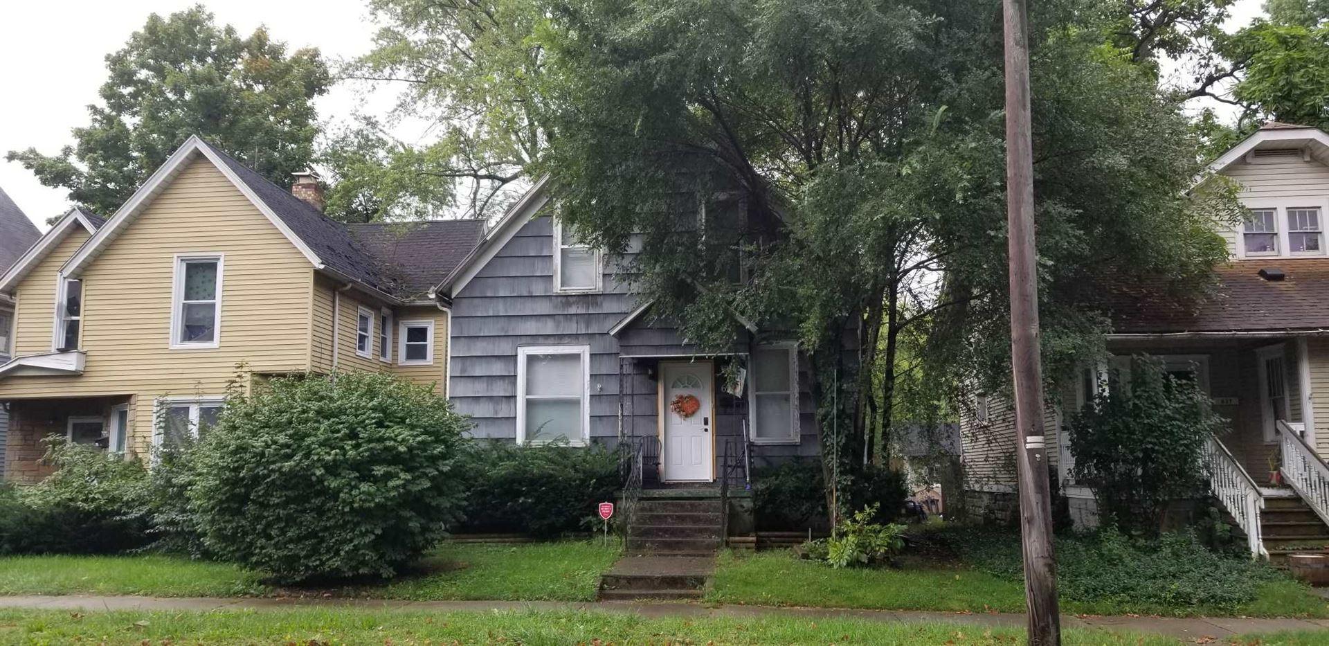 633 W Lexington Avenue, Elkhart, IN 46514 - #: 202000789