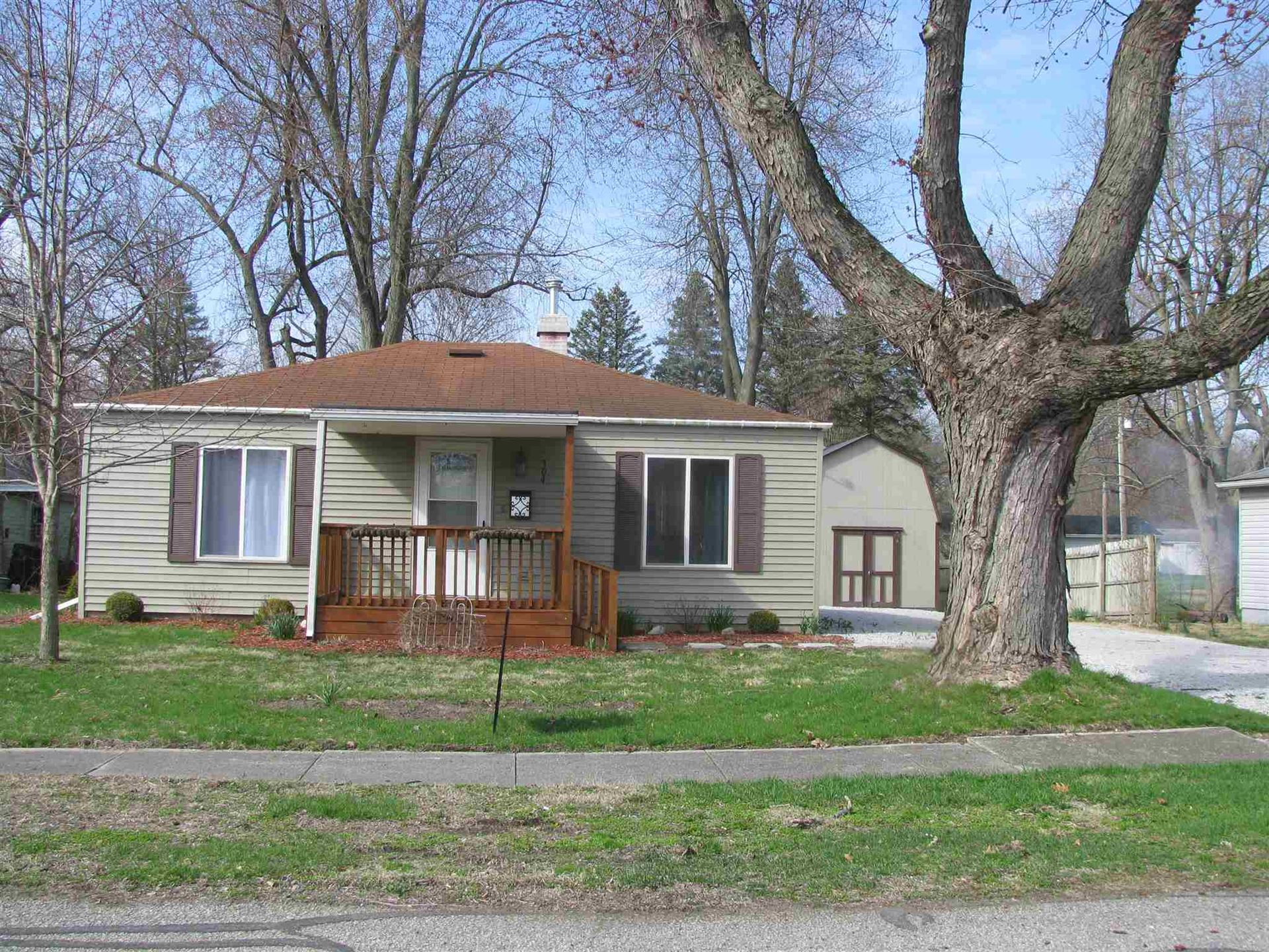 Photo of 304 W 5th Street, North Manchester, IN 46962 (MLS # 202007789)