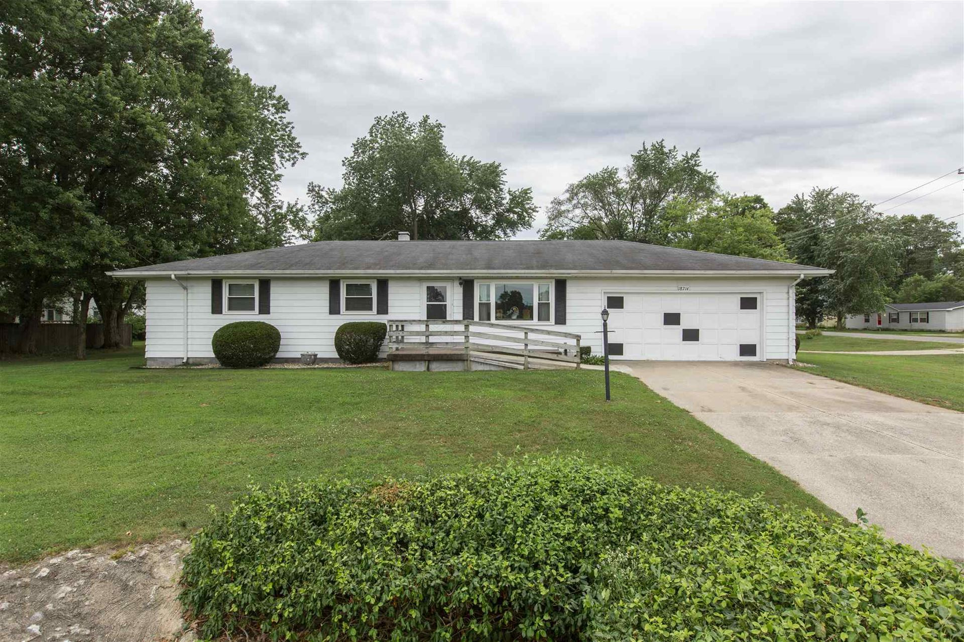 18714 Janet Drive, South Bend, IN 46637 - #: 202029794