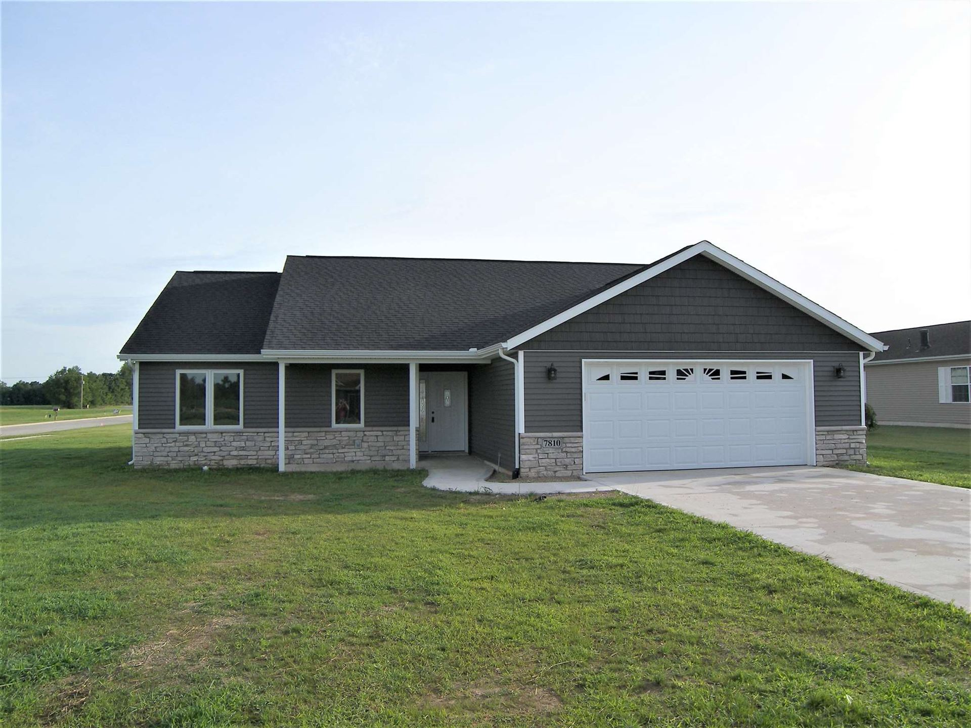 Photo of 7810 E Goodison Road, North Webster, IN 46555 (MLS # 202014795)
