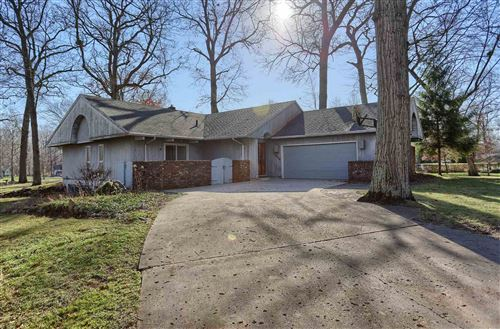 Photo of 4034 N Valley Lane, Warsaw, IN 46582 (MLS # 202046825)
