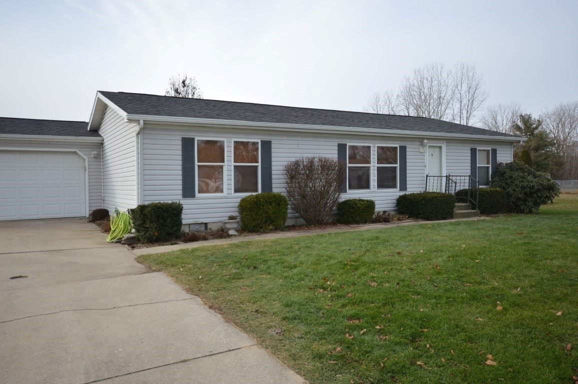 53135 Partridge Court, Elkhart, IN 46514 - #: 201952836