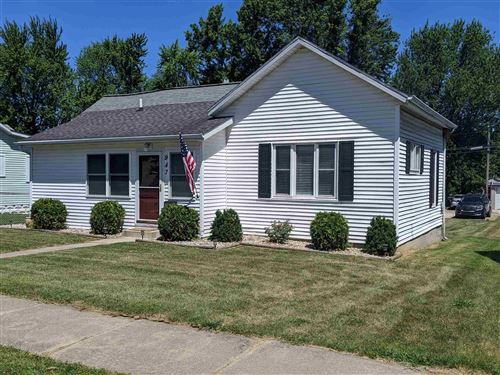 Photo of 947 E Fort Wayne Street, Warsaw, IN 46580 (MLS # 202026840)
