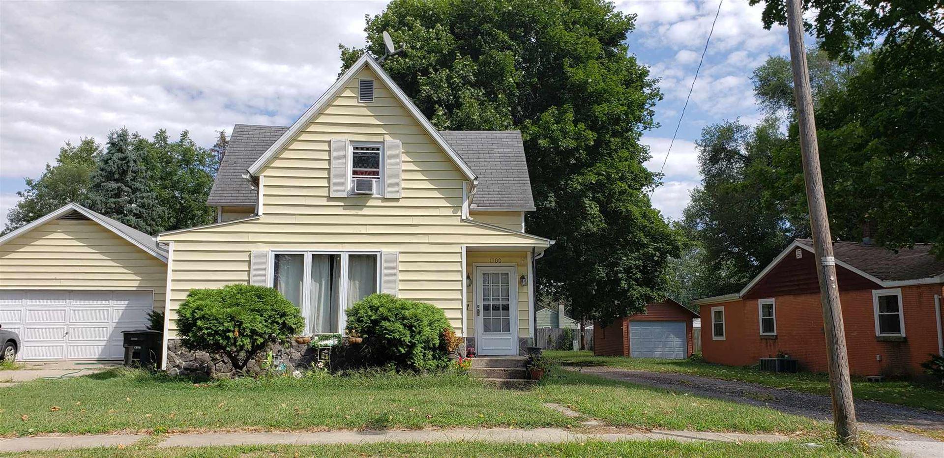 1300 Locust Street, Elkhart, IN 46514 - #: 202035849