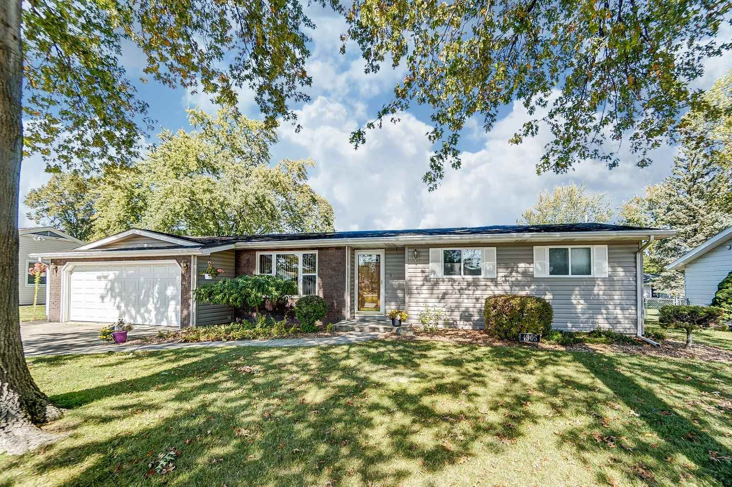 4905 Greenfield Drive, Fort Wayne, IN 46835 - #: 202040850