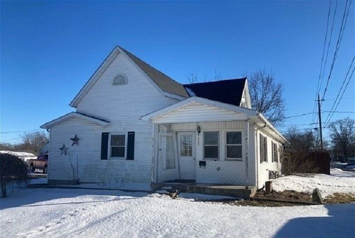 727 W Chestnut Street, Hartford City, IN 47348 - #: 202105851
