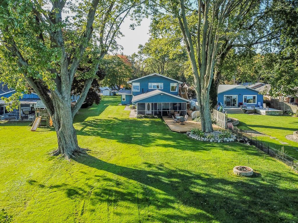 25845 Lake Drive, Elkhart, IN 46514 - #: 201945883