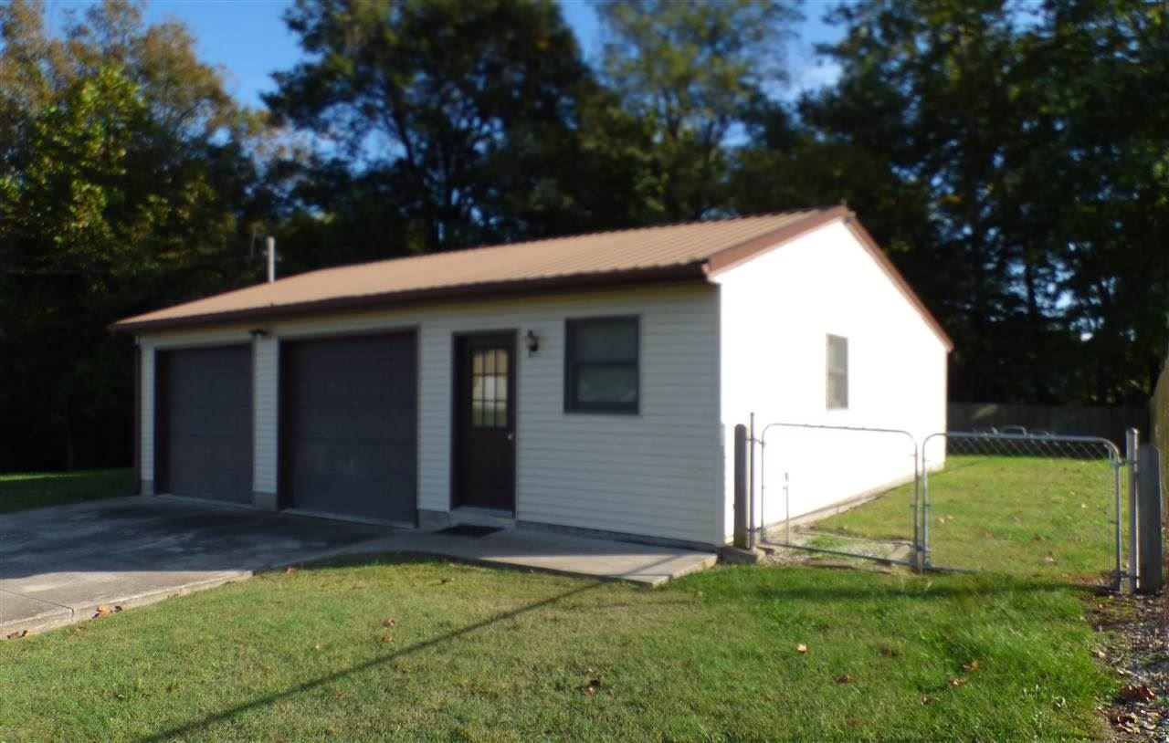 520 N Oak Street, Loogootee, IN 47553 - #: 202042884