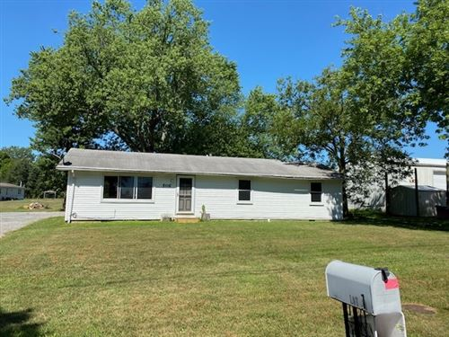 Photo of 506 S Graceland Avenue, Claypool, IN 46510 (MLS # 202040894)