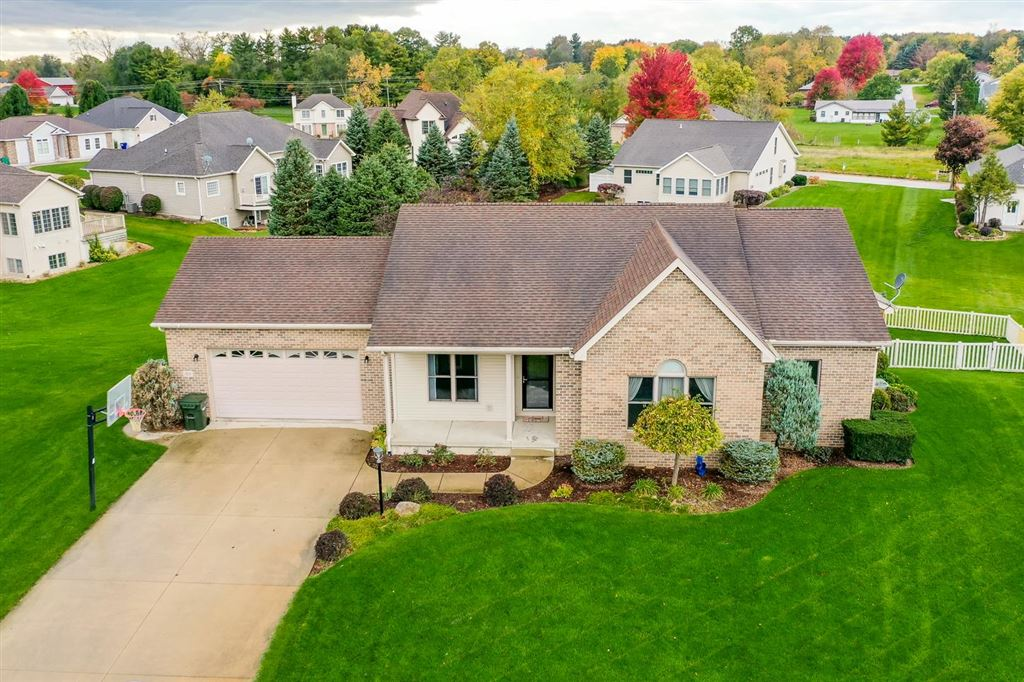 829 N Persimmon Drive, Warsaw, IN 46582 - #: 201946897