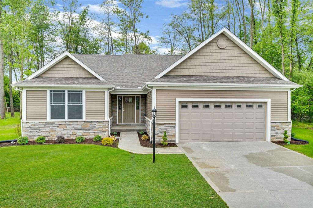 50921 Forest Lake Trail #62, South Bend, IN 46628 - #: 201827900