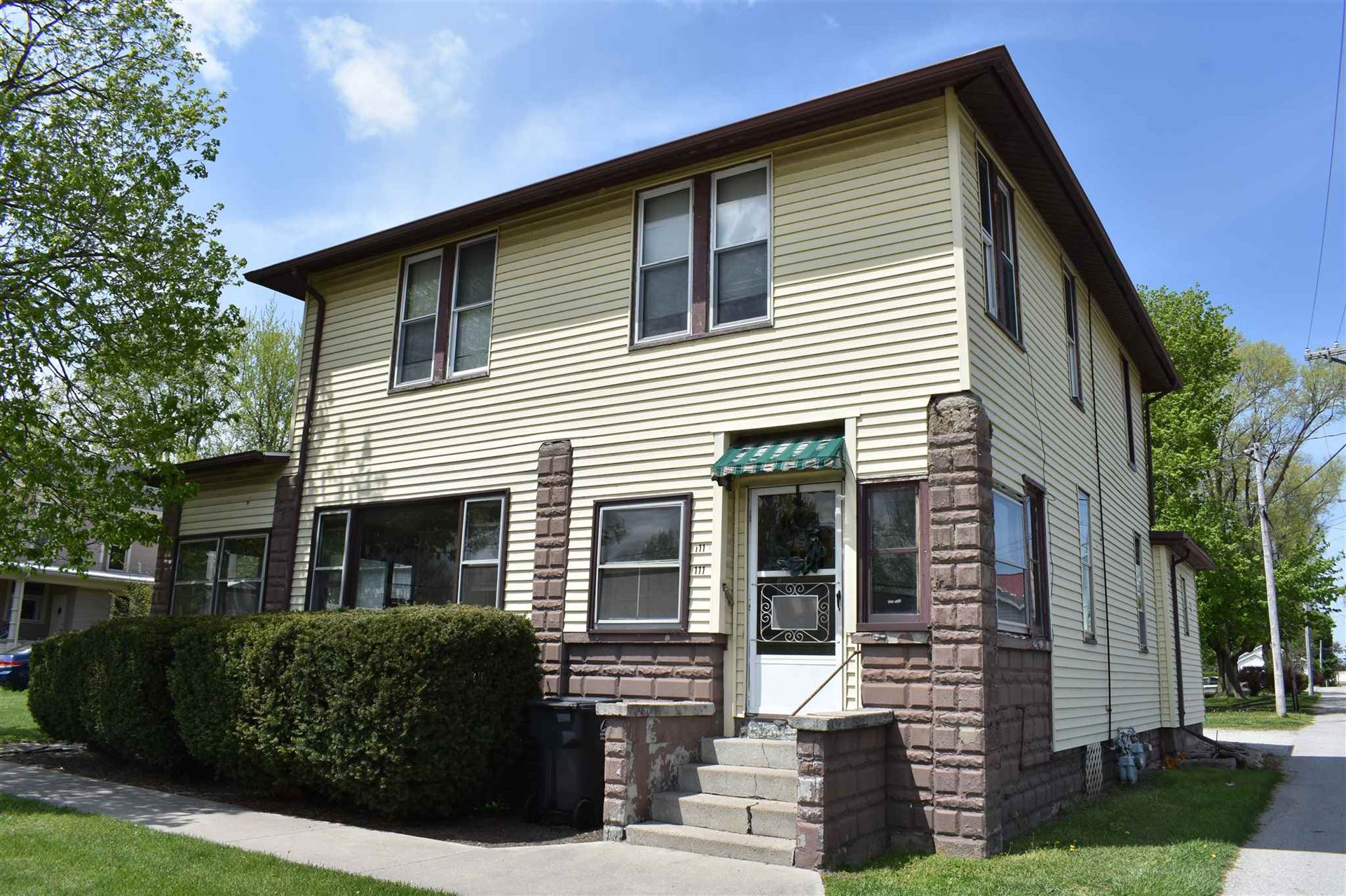 111 W Columbia Street, South Whitley, IN 46787 - #: 202016903