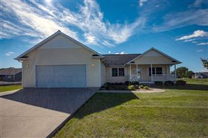 Photo of 4317 E Duffy Drive, Syracuse, IN 46567 (MLS # 201943904)