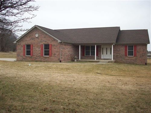 Photo of 211 Oxford Way Drive, Logansport, IN 46947 (MLS # 202008910)