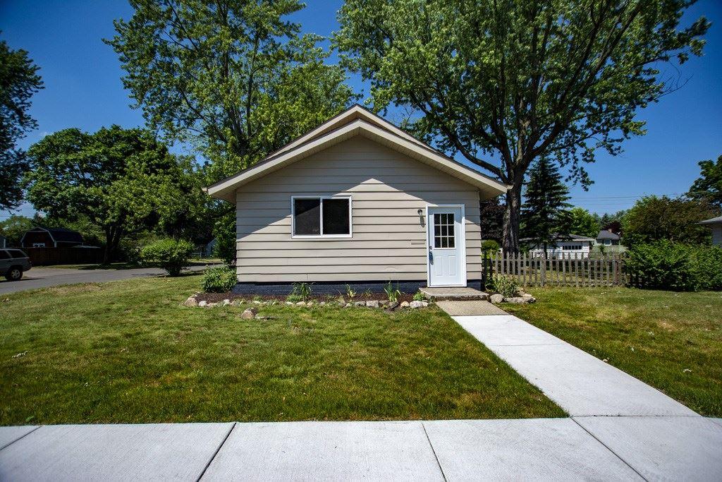 2215 Morehouse Avenue, Elkhart, IN 46515 - #: 202022924