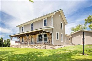 Photo of 17495 S County Line Road, Syracuse, IN 46567 (MLS # 201924937)