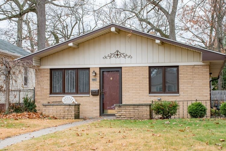 2225 INGLEWOOD Place, South Bend, IN 46616 - #: 202045938