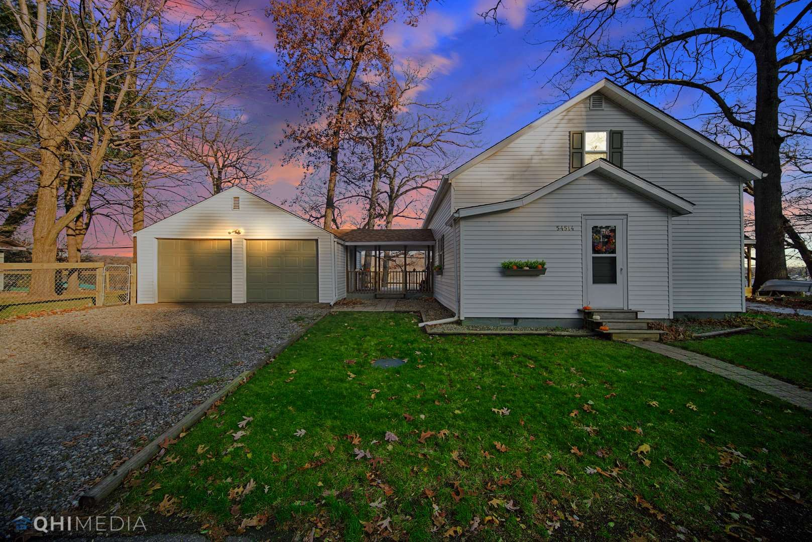 54514 Norwood Drive, South Bend, IN 46628 - #: 202045943