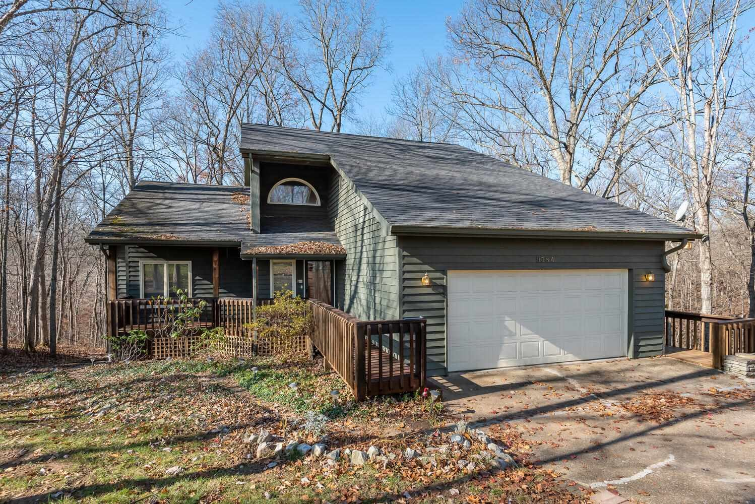 9384 S Harbour Pointe Drive, Bloomington, IN 47401 - #: 202045950