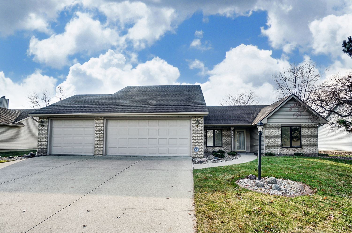 8008 Welshire Boulevard, Fort Wayne, IN 46815 - #: 201951966