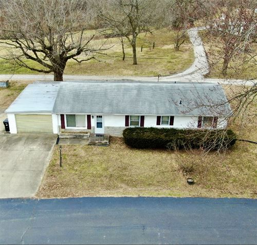 Photo of 2924 E LOTUS Lane, Vincennes, IN 47591 (MLS # 202101968)