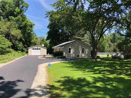 Photo of 6492 W Olson Road, Rochester, IN 46975 (MLS # 202130970)