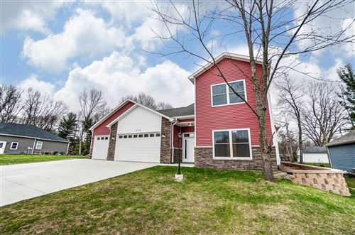 Photo of 1376 N Santorini Drive, Warsaw, IN 46580 (MLS # 202047972)