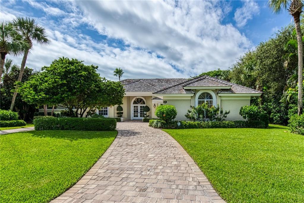 1833 E Sandpointe Lane, Vero Beach, FL 32963 - #: 236019