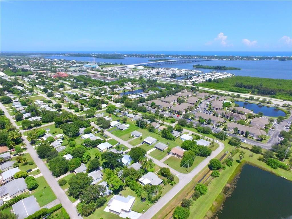 1320 4th Avenue, Vero Beach, FL 32960 - #: 235046