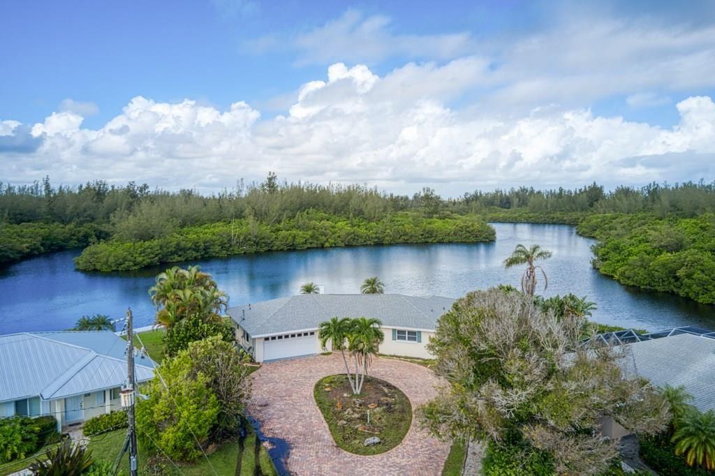 715 Shore Drive, Vero Beach, FL 32963 - #: 237047