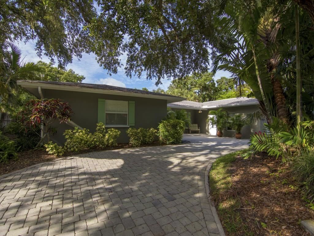 556 Flamevine Lane, Vero Beach, FL 32963 - #: 232065