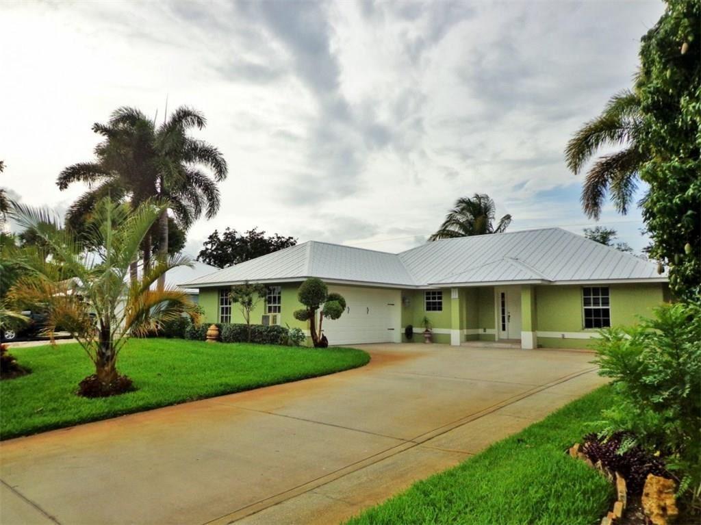 926 18th Place SW, Vero Beach, FL 32962 - MLS#: 233066