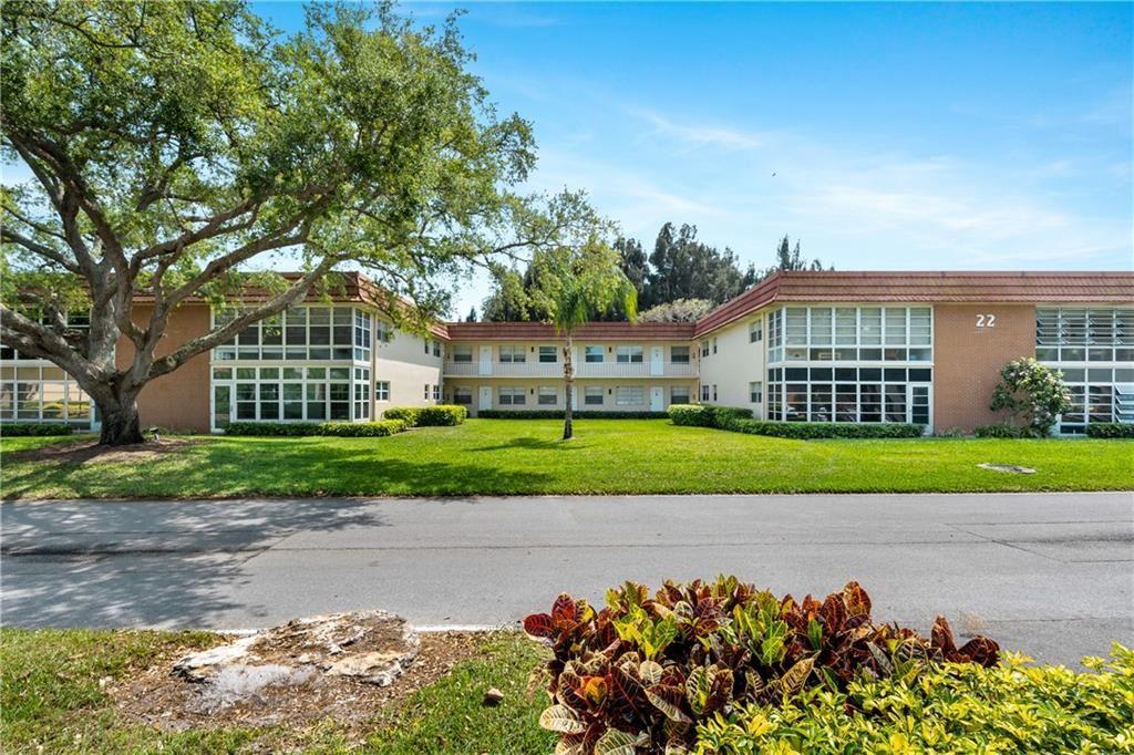 22 Pine Arbor Lane #205, Vero Beach, FL 32962 - #: 242117