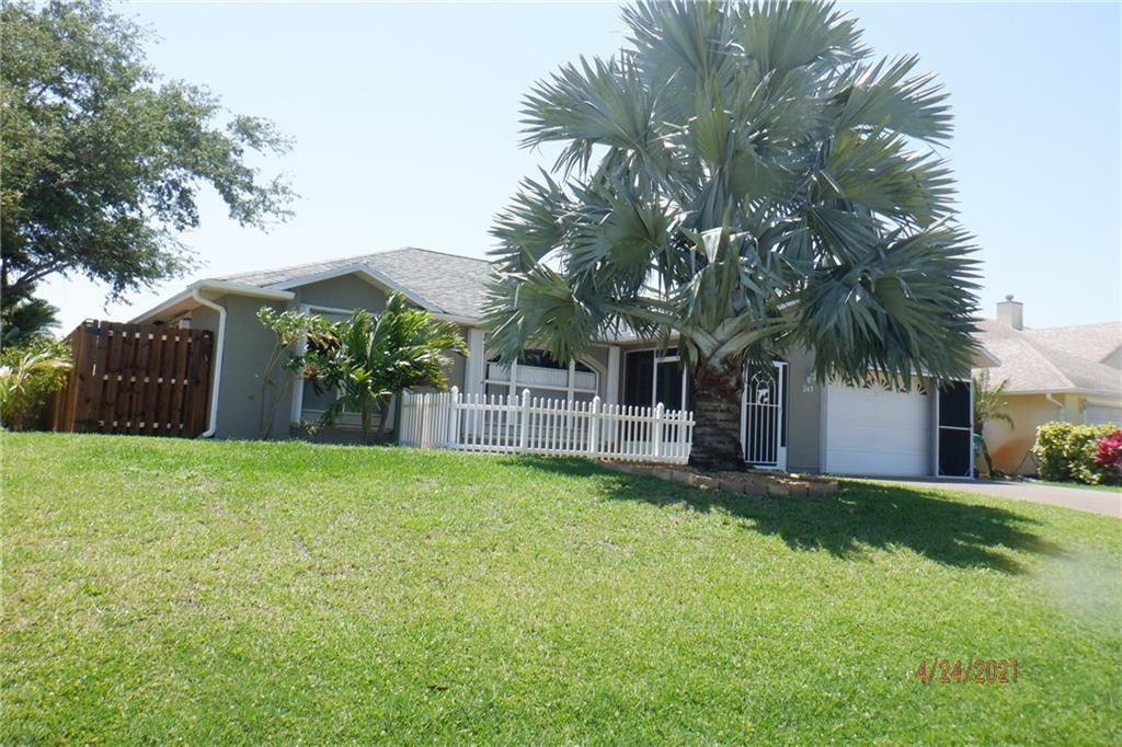 243 Dickens Avenue, Sebastian, FL 32958 - #: 243121