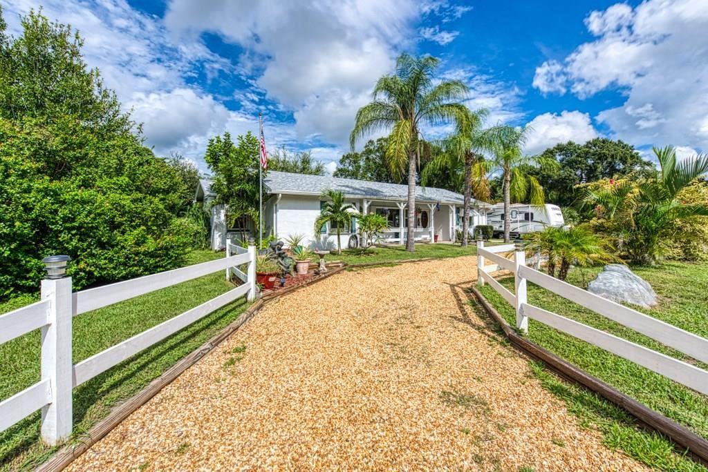 2345 Bonita Avenue, Vero Beach, FL 32960 - MLS#: 236147