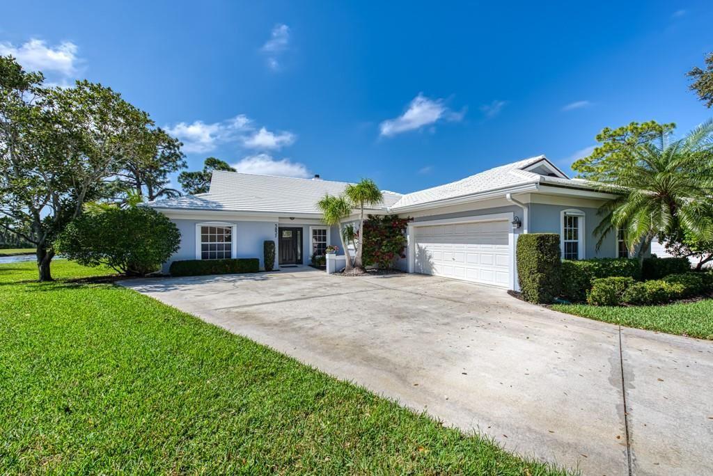 5837 Magnolia Lane #5837, Vero Beach, FL 32967 - #: 241158