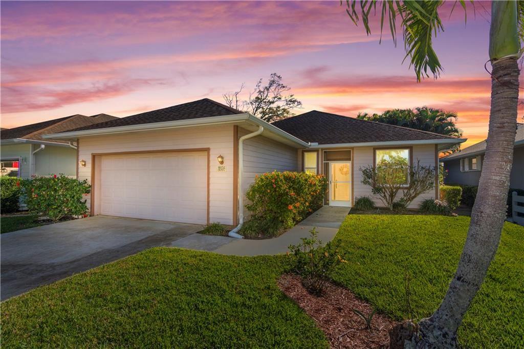 261 Hawthorne Lane, Vero Beach, FL 32962 - MLS#: 229191