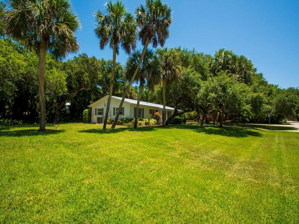 3802 Mockingbird Drive, Vero Beach, FL 32963 - #: 245212