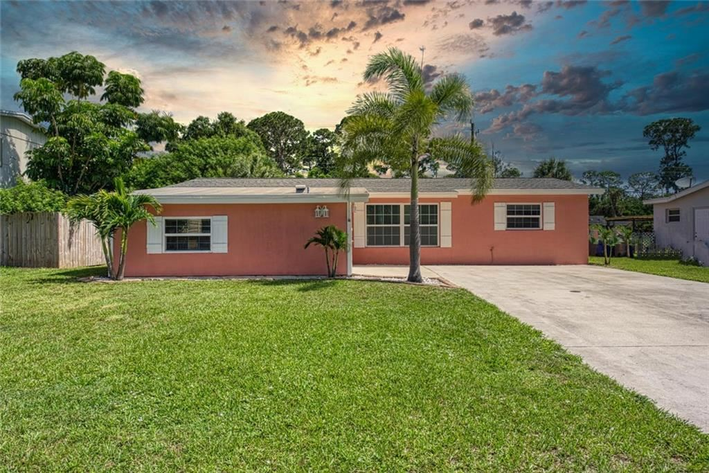 2444 1st Place SW, Vero Beach, FL 32962 - #: 235251