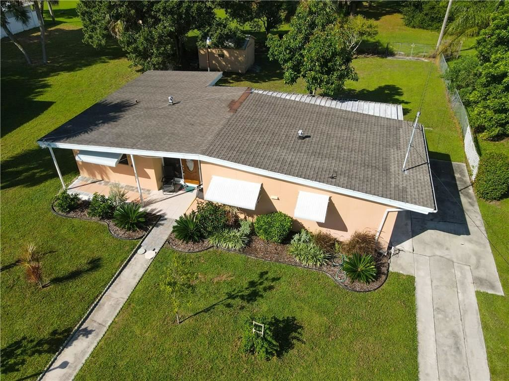 2123 Sunrise Drive SW, Vero Beach, FL 32962 - #: 235262