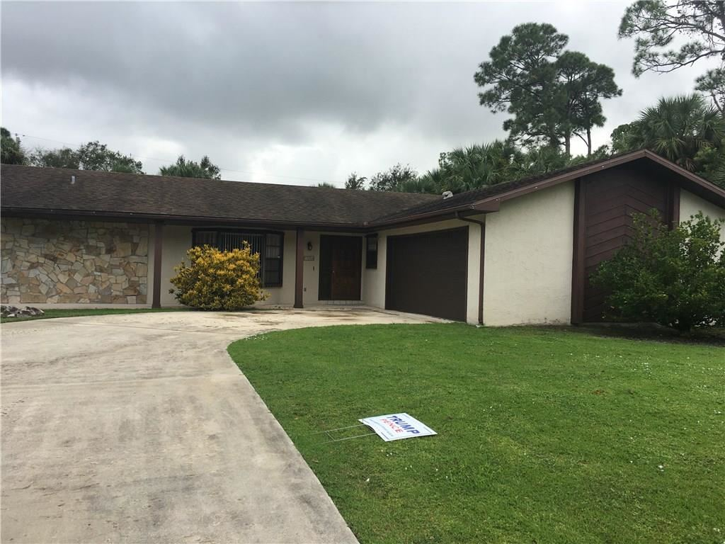 8207 Coquina Avenue, Fort Pierce, FL 34951 - #: 237281