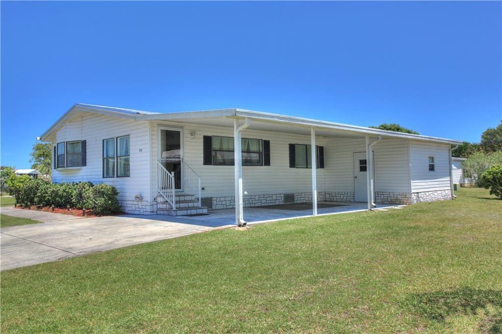 815 Bougainvillea Circle, Barefoot Bay, FL 32976 - MLS#: 232312